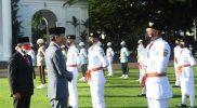 Presiden mengukuhkan Pasukan Pengibar Bendera Pusaka (Paskibraka) Nasional 2021 di halaman depan Istana Merdeka, Kamis (12/8/2021) sore tadi. (Foto: Lukas/Biro Pers Sekretariat Presiden)