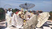 Dengan kain ecoprint produksinya, menjadi salah satu penyemangat Sanggar Pawonjogan untuk terus berbagi kepada banyak orang. (Foto: agoes jumianto)