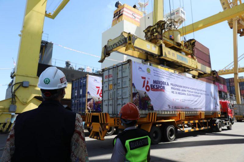 Pelepasan ekspor komoditas pertanian Provinsi Jawa Tengah, di Terminal Peti Kemas Pelabuhan Tanjung Emas Semarang. (Foto:Humas Jateng)