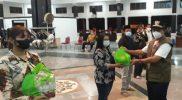 Pegiat seni di Pemalang mendapat bansos dari Pemerintah Kabupaten. (Foto: Diskominfo Pemalang)
