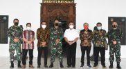 Komandan Korem 072/Pamungkas Kolonel Inf Afianto menerima Audiensi Persatuan Wartawan Nasrani (Pewarna) D.I Yogyakarta. (Foto: Dokumentasi Penrem072)