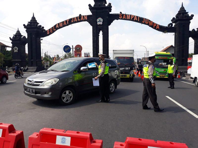 Petugas gabungan kembali menggelar penyekatan di Tugu Ireng, Kecamatan Salam, Magelang. (Foto: Humas/beritamagelang)