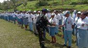 Penyuluhan kesehatan tentang bahaya Covid-19 dan pencegahannya kepada siswa siswi SMA Negeri 1 Okbibab, Kampung Abmisibil, Distrik Okbibab, Kabupaten Pegunungan Bintang, Papua. (Foto: Pen Yonif Mekanis 403/WP)