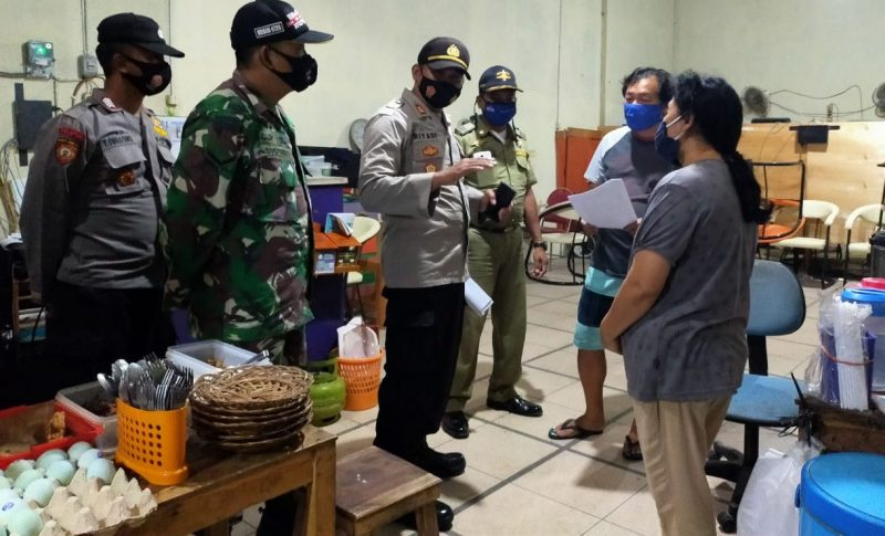 Satgas Covid-19 di beberbagai wilayah di Kabupaten Sukoharjo terus gencar lakukan patroli protokol kesehatan. (Foto: Humas Pemkab Sukobarjo)
