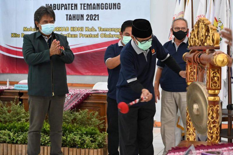 Bupati Temanggung HM Al Khadziq membuka Musyawarah Olahraga Kabupaten  KONI. (Foto: Diskominfo Temanggung)