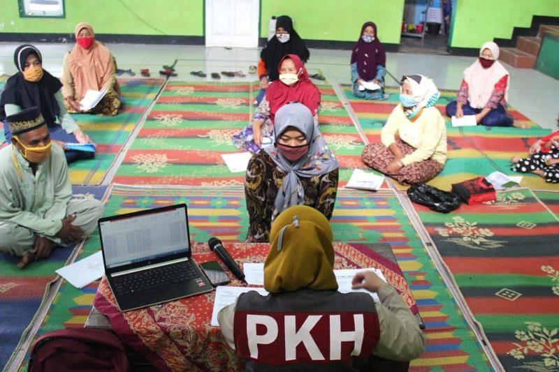 Sebanyak 37.792 Kepala Keluarga (KK) di Kabupaten Temanggung menerima pencairan Bansos dari Program Keluarga Harapan (PKH) tahap ketiga. (Foto: Diskominfo Temanggung)
