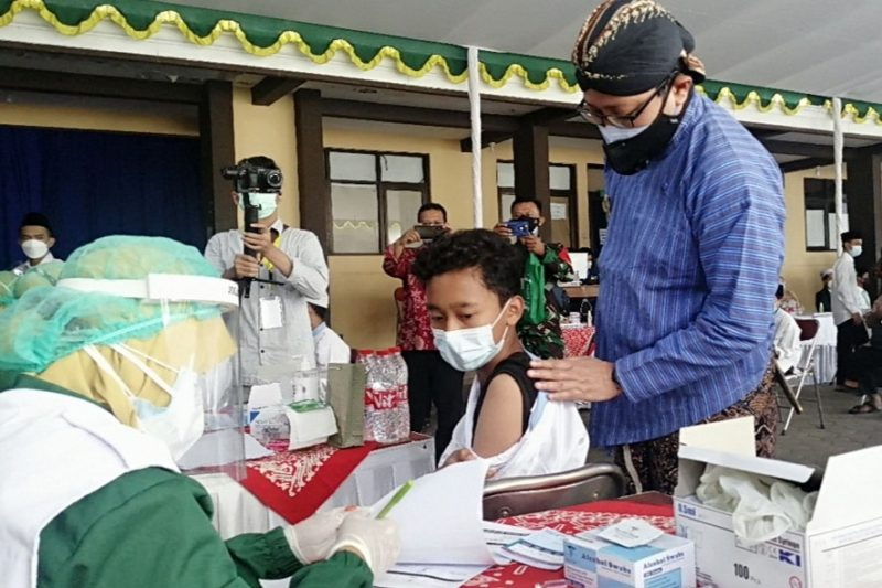 Baznas terus menggencarkan program 'Kita Jaga Kyai' dengan melakukan vaksinasi bagi kyai dan santri. (Foto: Humas Pemkot Yogyakarta)