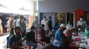 Wali kota Yogyakarta meninjau pelaksanaan vaksinasi masal yang digelar di klinik Bidokes Polda DIY Klitren, Gondokusuman. (Foto: Humas Pemkot Yogya)