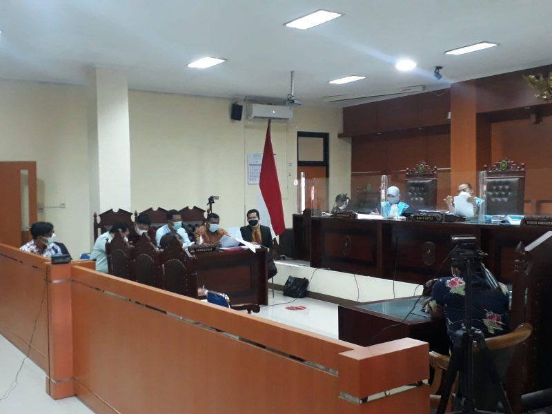 Saksi beberkan fakta sesungguhnya di muka persidangan gugatan terhadap Gubernur Ganjar Pranowo.  (Foto: dokumentasi tim kuasa hukum LBH Nyi Ageng Serang)