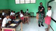 Prajurit Yonif 512 datang ke sekolah berikan motivasi belajar. (Foto: dokumentasi Yonif 512/QY)