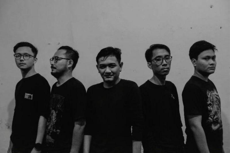 Ahat Band debut mini album
