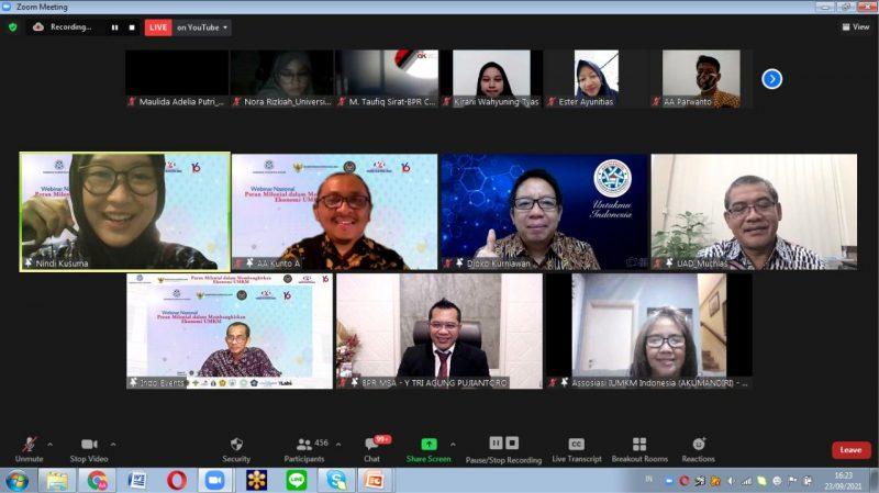 Webinar Nasional bertajuk 'Peran Milenial dalam Membangkitkan Ekonomi UMKM' yang  Akumandiri dan BPR MSA. (Foto: tangkapan layar webinar)