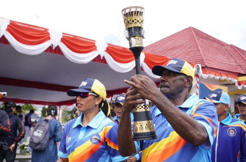 Bentuk obor PON XX Papua sebagai perwujudan dari kebudayaan khas Papua yang bermakna kesetaraan, kemurnian dan kekuatan.(Foto: MC PON Klaster Mimika)