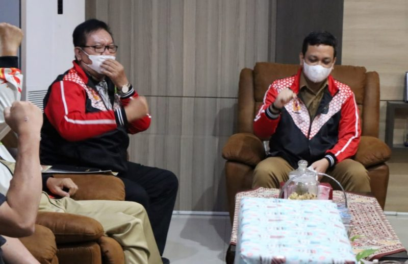 Kontingen PON XX Jawa Tengah asal Pekalongan saat pamitan Wali Kota. (Foto: Diskominfo Pekalongan)