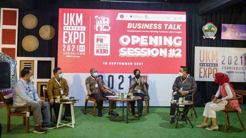 Dalam bincang bisnis UKM Virtual Expo 2021, Kepala Dinas Koperasi dan UKM Jawa Tengah Ema Rachmawati mengatakan, factory sharing adalah sebuah ruang produksi bersama bagi Usaha Kecil Menengah. (Foto: Diskominfo Jateng)