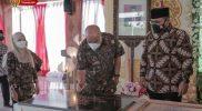 Wakil Gubernur DIY KGPAA Paku Alam X bersama Menteri Agama Yaqut Cholil Qoumas pada pencanangan Desa Kerukunan. (Foto: Humas Pemda DIY)