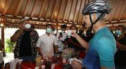 Gubernur Jawa Tengah, Ganjar Pranowo dan kopi Magelang. (Foto: Humas Jateng)