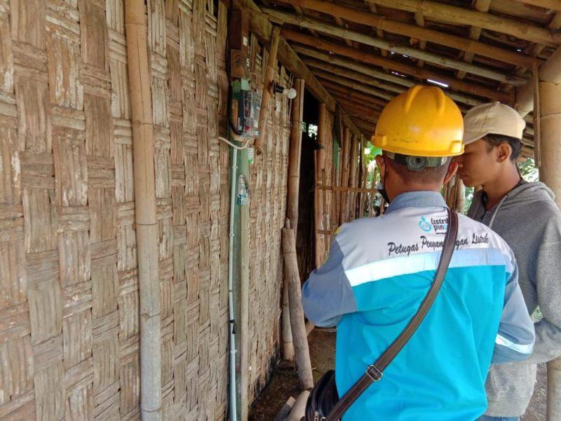 Salah satu rumah miskin di Jawa Tengah yang sudah teraliri listrik gratis dari Pemprov. (Foto: Diskominfo Jateng)