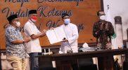 Ganjar Pranowo usai penandatanganan berita acara serah terima jabatan Ketua Umum Indonesiapersada.id dari ketua lama Saifullah Yusuf di Pasuruan Jawa Timur. (Foto: Diskominfo Jateng)