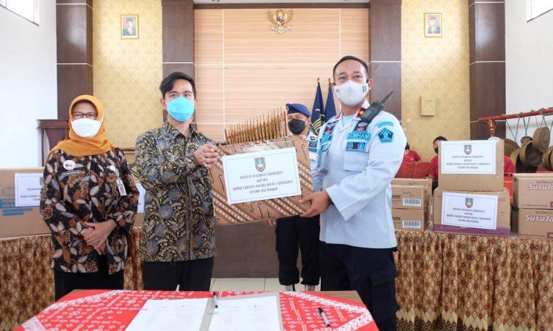 Wali Kota Surakarta Gibran Rakabuming saat mengunjungi Rumah Tahanan Negara (Rutan) Negara Kelas I Kota Surakarta. (Foto: Humas Pemkot Surakarta)