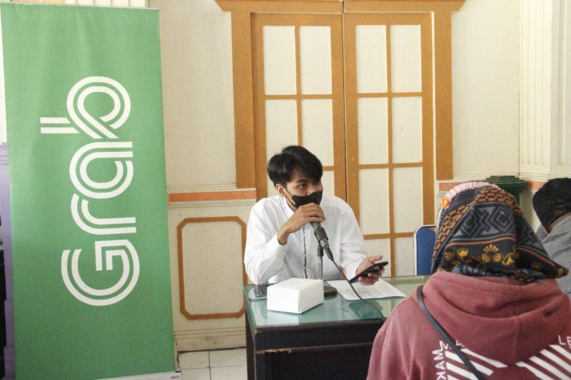 Sejumlah pelaku UKM di Kabupaten Temanggung mengikuti pendaftaran menjadi mitra GrabFood/GrabMart. (Foto: Diskominfo Temanggung)