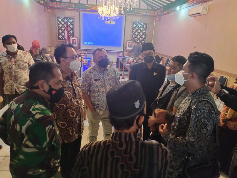 Perwakilan Komnas Ham RI usai pertemuan dengan Bupati dan pejabat setempat menyampaikan bakal mengumpulkan fakta-fakta di lapangan dan akan membantu selesaikan konflik di Wadas.  (Foto: BBWS DIY)