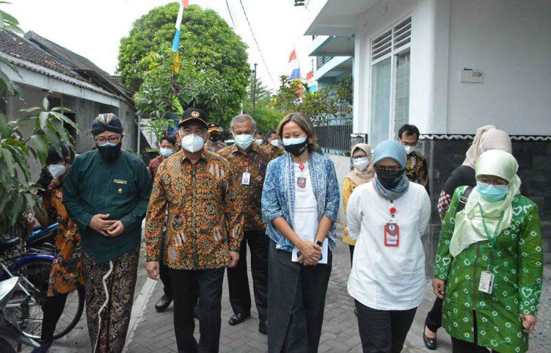 Menko PMK Muhadjir Effendy saat kunjungannya ke Yogyakarta. (Foto: Humas Pemkot Yogya)