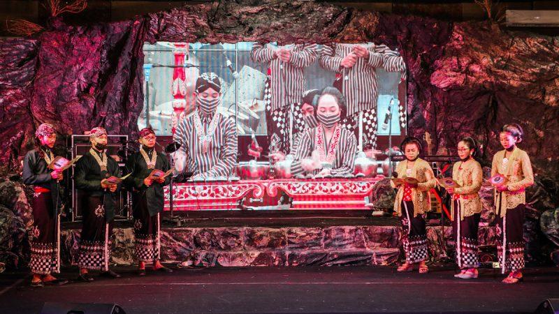 """Menoleh ke Menoreh"" menjadi judul yang diangkat dari kegiatan pengembangan kearifan lokal dan potensi daerah untuk mendukung karya ekonomi kreatif di Kulonprogo. (Foto:MC Kab.Kulon Progo)"