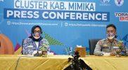 Mediodecci Lustarini dan Kasubag BIN OPS Polres Mimika AKP Ahmad Dahlan saat jumpa pers di Media Center PON XX Papua klaster Mimika Kementerian Komunikasi dan Informatika. (Foto:infopublik)