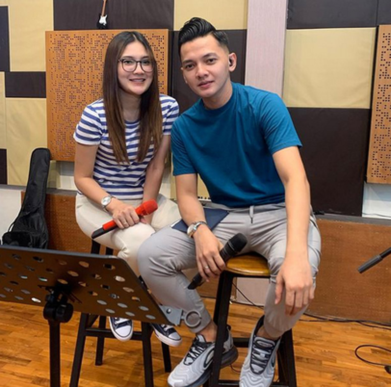 Nella Kharisma dan Dory Harsa dengan lagu barunya
