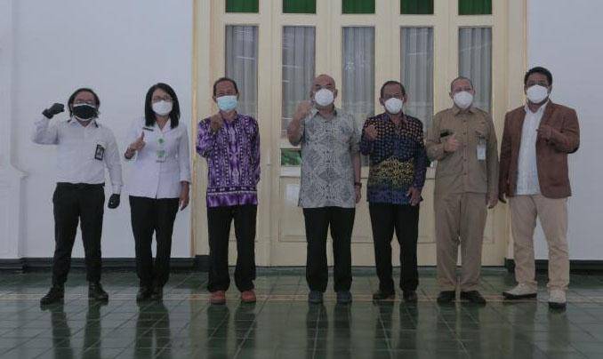 Wakil Gubernur DIY KGPAA Paku Alam X menerima kunjungan dari panitia penyelenggara Pesparawi Nasional 2022. (Foto: Humas Pemda DIY)