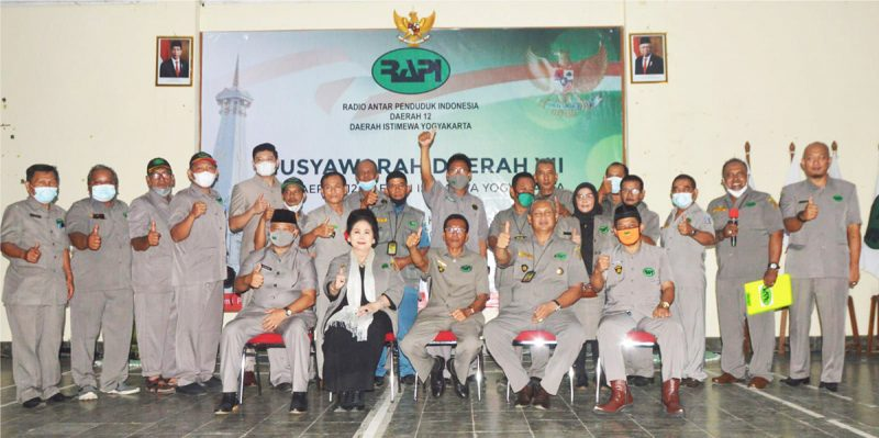 Foto bersama pengurus terpilih dengan Ketua Umum Nasional JZ08 AFT. (Foto: Dokumentasi RAPI Daerah 12 DIY)