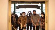 Pembukaan Rumaket dilaksanakan pada Minggu sore (26/9/2021) dengan Pemotongan buntal oleh Wakil Walikota Yogyakarta Heroe Poerwadi dan Direktur Pengembangan dan pemanfaatan Kebudayaan, Kementerian Pendidikan dan Kebudayaan Republik Indonesia Restu Gunawan. (Foto: Humas Pemkot Yogya)