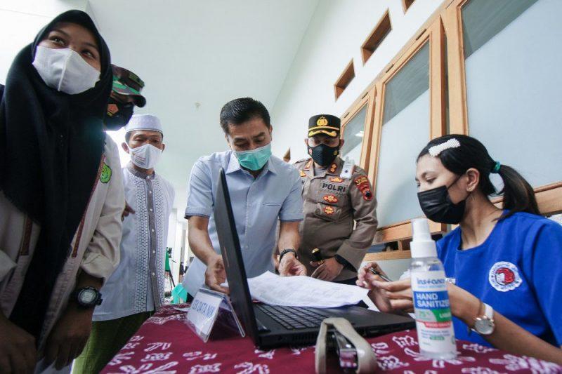 Serbuan Vaksin Nasional di Salatiga yang dipantau Presiden Jokowi secara virtual. (Foto: Diskominfo Jateng)
