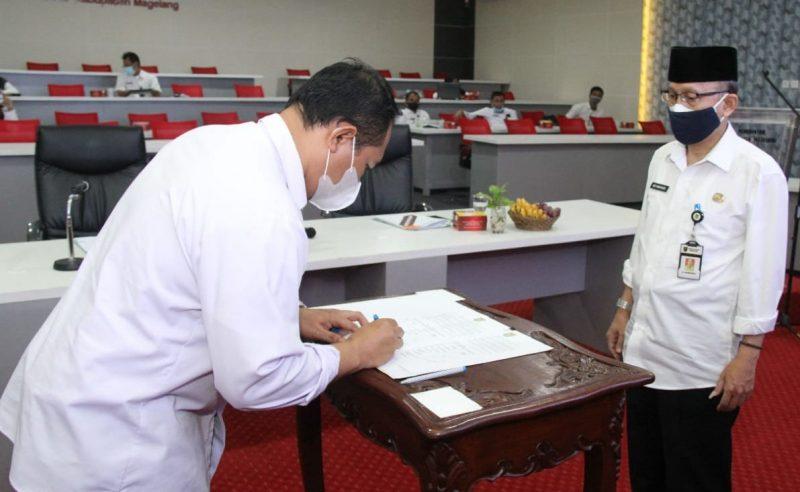 Penandatanganan sekaligus deklarasi komitmen kesepakatan rencana kegiatan intervensi penurunan stunting terintegrasi di Kabupaten Magelang. (Foto: Humas/beritamagelang)