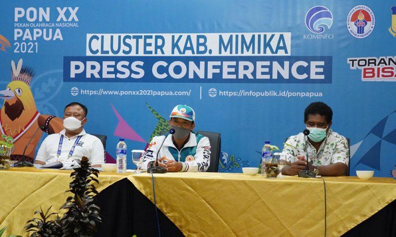 Jumpa pers tim cabor Terbang Layang Papua usai meraih medali emas. (Foto:MCKominfo)