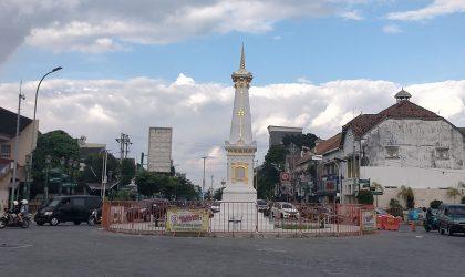 Pemerintah kembali melanjutkan Pemberlakuan Pembatasan Kegiatan Masyarakat (PPKM) level 3 hingga 4 Oktober 2021 di Kota Yogyakarta. Sejumlah ruas jalan juga masih ditutup. (Foto: Agoes Jumianto)