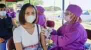 Vaksinasi pelaku wisata di Laguna Pantai Glagah, Kulonprogo. (Foto: Humas Pemda DIY)