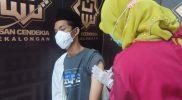 Para santri dan pengurus pondok pesantren (ponpes) di Kota Pekalongan menjalani vaksinasi Covid-19 dosis pertama. (Foto: Diskominfo Pekalongan)