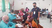 Ikatan Alumni SMP Bangunkerto (IKABA) menggelar vaksinasi bekerjasama dengan Dinas Kesehatan Kabupaten Sleman, Pemerintah Kalurahan Bangunkerto, dan Polda DIY. (Foto: MCKabSleman)