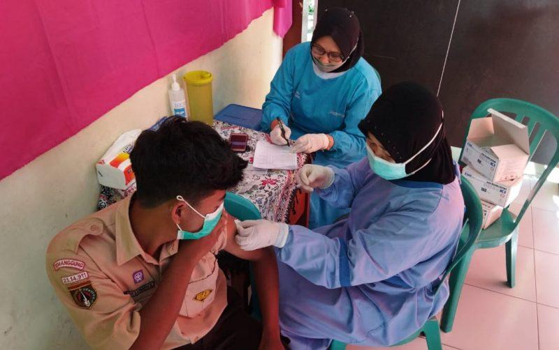 Siswa SMP di Kabupaten Temanggung mulai mendapatkan suntikan vaksin Covid-19. (Foto: Diskominfo Temanggung)