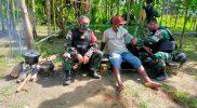 Prajurit kesehatan Yon 512/QY cek kesehatan warga perbatasan. (Foto: Penerangan 512/QY)