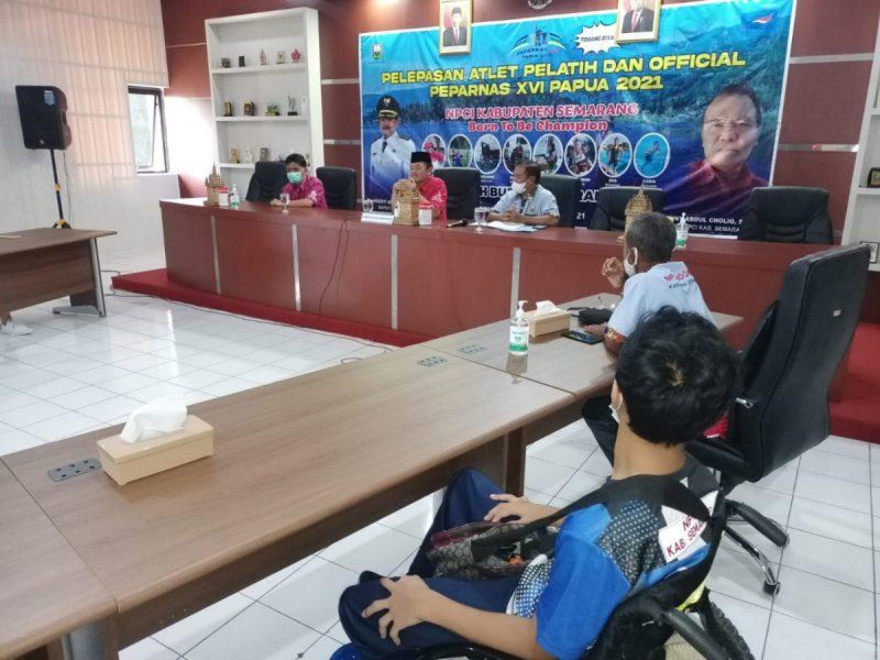 Atlet paralimpik Kabupaten Semarang dilepas untuk mengikuti Pekan Paralimpik Nasional (Peparnas) XVI di Papua 2021. (Foto: Diskominfo Kab Semarang)