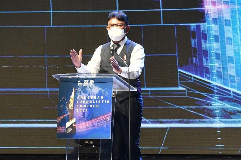 Menkominfo Johnny G. Plate dalam acara puncak Anugerah Jurnalistik Kominfo 2021. (Foto:Biro Humas Kementerian Kominfo)