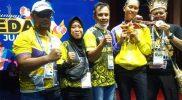 Silvana Lamanda (kedua dari kanan), siswa SMA Negeri 3 Gorontalo mengukir prestasi dengan menyumbangkan medali perak PON XX Papua. (Foto:MCGorontaloprov)