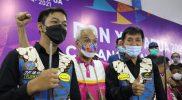 Ricky Yang dan Rico Dela Wijaya bersama Ganjar Pranowo usai memenangi pertandingan. (Foto: Humas Jateng)