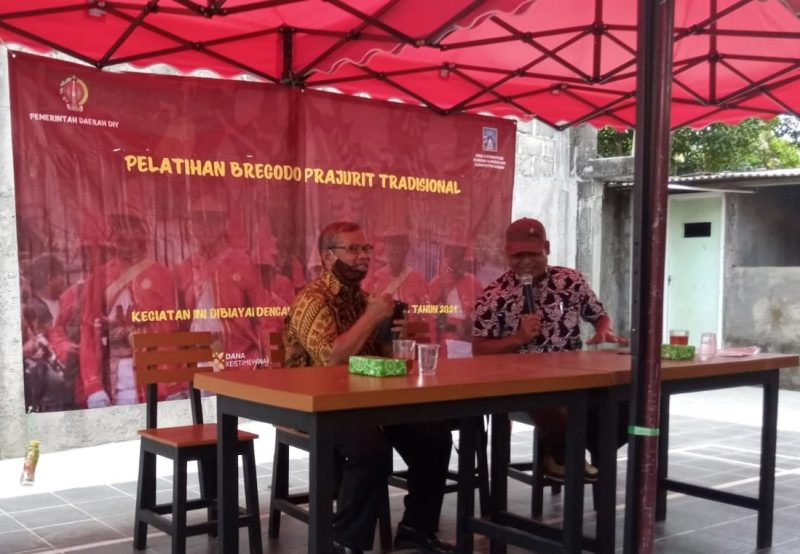 Pelatihan Bregodo Rakyat Sembada diikuti 30 peserta dan dibuka langsung oleh Santoso dari Bidang Bregodo Kepajuritan Dinas Kebudayaan Kabupaten Sleman. (Foto:MC Kab Sleman)