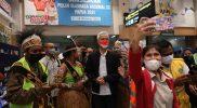Ganjar sengaja datang ke Papua untuk menyemangati atlet-atlet Jateng yang berlaga di sana. (Foto: Humas Jateng)