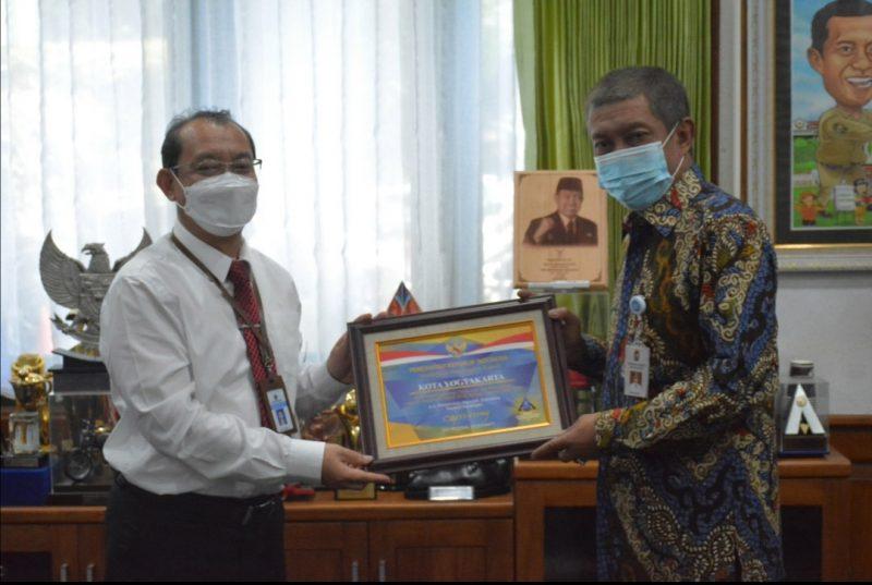 Walikota Yogyakarta, Haryadi Suyuti menyampaikan ucapan terimakasih atas penghargaan yang diberikan dari Kemenkeu RI kepada Pemkot Yogya. (Foto: Humas Pemkot Yogya)