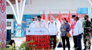Presiden Jokowi menandatangani prasasti peresmian Terminal Baru Bandar Udara (Bandara) Mopah, Merauke. (Foto:MC.Merauke)